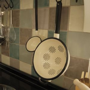 Cream enamel colander with handle