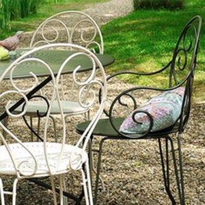 Fermob Opera Table U0026 2 Montmartre Armchairs   Metal Garden Furniture Set