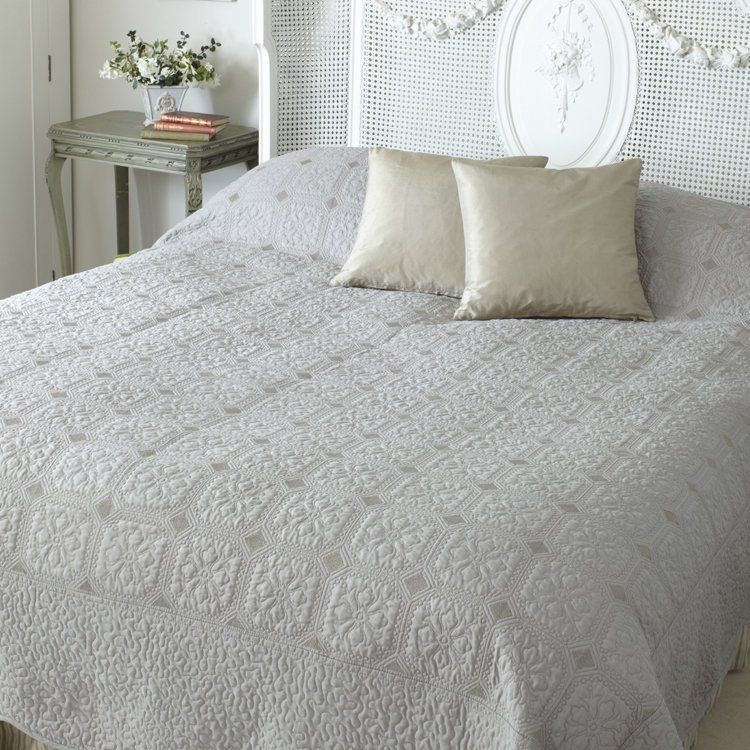 Double victoria beige taupe shabby chic bedding cover shabby chic bedding - Beige slaapkamer taupe ...